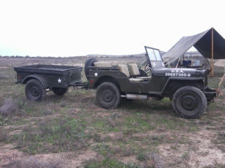 Jeep con remolque